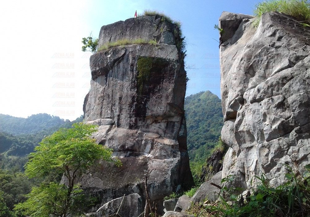 metland-cirebon-Wisata Batu Lawang Cirebon